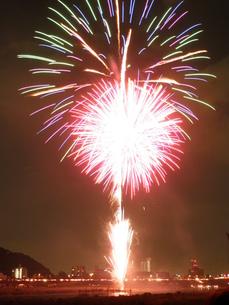 長良川全国花火大会の写真素材 [FYI00428058]