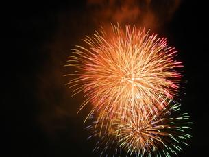 長良川全国花火大会の写真素材 [FYI00428067]