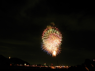 長良川全国花火大会の写真素材 [FYI00428071]