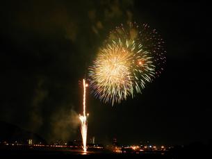 長良川全国花火大会の写真素材 [FYI00428090]