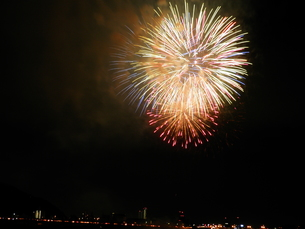 長良川全国花火大会の写真素材 [FYI00428110]