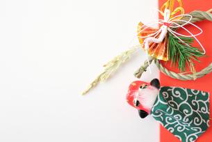 獅子頭としめ飾りの写真素材 [FYI00428481]