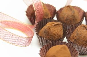 チョコレートトリュフの写真素材 [FYI00428672]