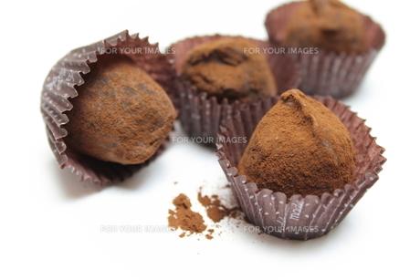 チョコレートトリュフの写真素材 [FYI00428679]