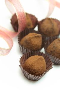 チョコレートトリュフの写真素材 [FYI00428681]