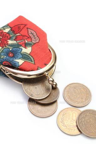 がま口と10円玉の写真素材 [FYI00428737]