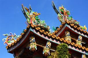 横浜中華街 関帝廟の飾りの写真素材 [FYI00429069]