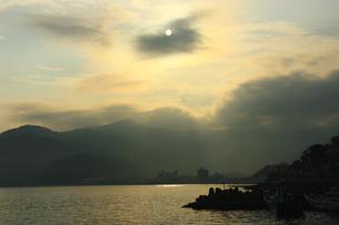 夕焼けの海の写真素材 [FYI00429131]