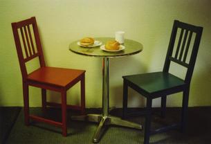 ドイツブレーメンでの朝食椅子とテーブルの写真素材 [FYI00429756]