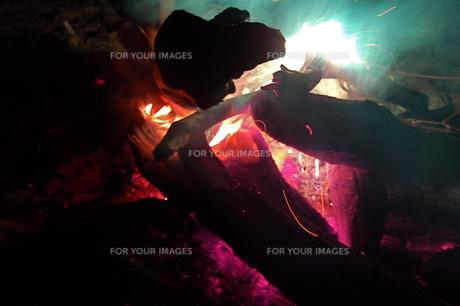 炭火の写真素材 [FYI00430375]