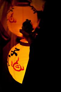 提灯の灯の写真素材 [FYI00430582]
