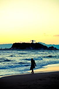 夕暮れの江ノ島の写真素材 [FYI00430617]
