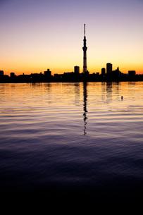 夕暮れの東京の写真素材 [FYI00430637]