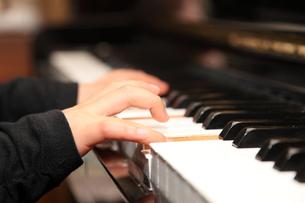 ピアノのレッスンの写真素材 [FYI00430808]
