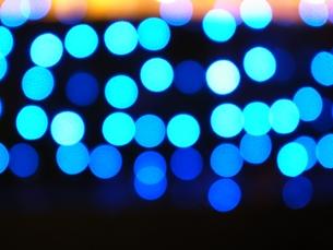 青いイルミネーションの写真素材 [FYI00431671]