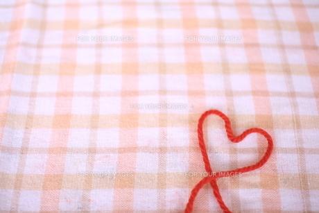 ハートの毛糸の写真素材 [FYI00431683]