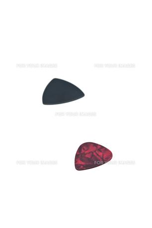 2種類のギターピックの写真素材 [FYI00432064]