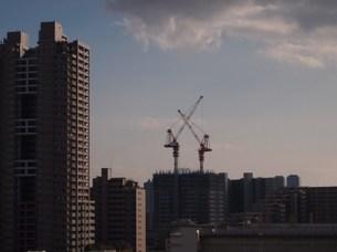 マンション建設中の写真素材 [FYI00432647]