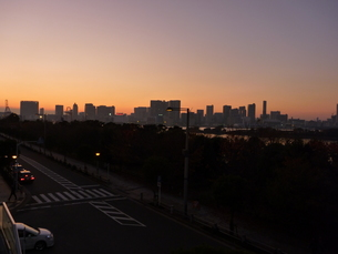 陽が落ちて〜お台場の写真素材 [FYI00432831]
