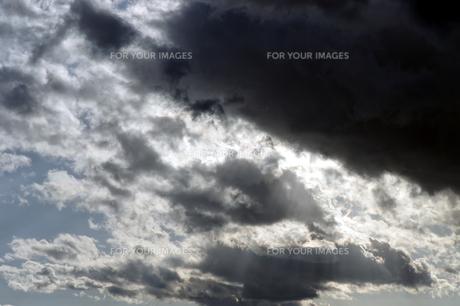 冬の黒雲の素材 [FYI00432899]