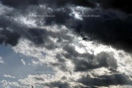 冬の黒雲の素材 [FYI00432907]