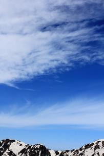 青空と流れる雲の写真素材 [FYI00433180]