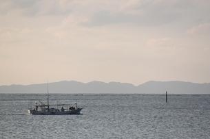 島影と船の素材 [FYI00433586]