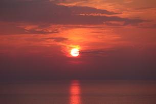 ダイナミックな夕日の写真素材 [FYI00435163]