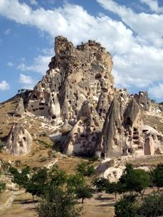 トルコ世界遺産カッパドキアにある尖った岩の城の写真素材 [FYI00435474]