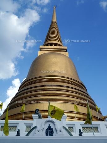 タイのバンコクにあるワット・ボウォーンニウェートの仏塔の写真素材 [FYI00435513]