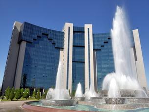 ウズベキスタンの首都タシケントにあるインターナショナルビジネスセンターの写真素材 [FYI00435597]