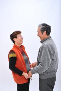 笑顔の老夫婦の写真素材 [FYI00435995]