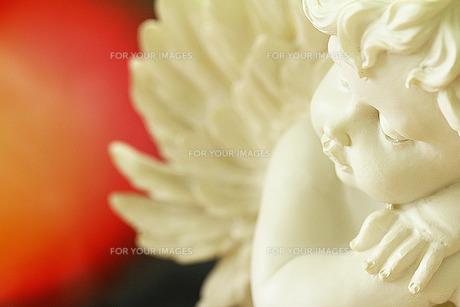 横むいた天使の素材 [FYI00436185]
