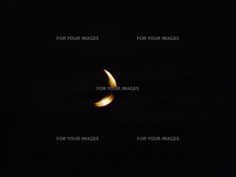 幻想的な三日月の写真素材 [FYI00436336]