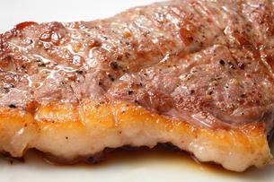 和牛のステーキの写真素材 [FYI00436972]