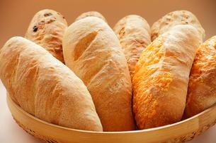 様々なパンの写真素材 [FYI00437091]