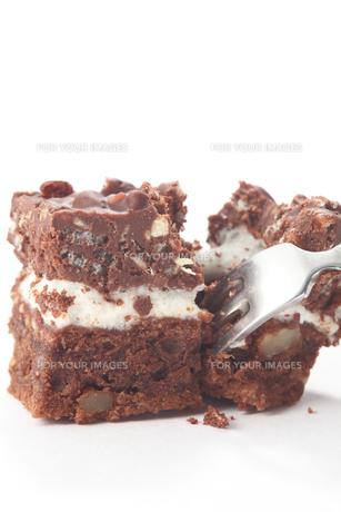 ケーキを食べるの写真素材 [FYI00437153]
