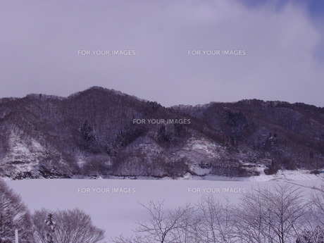 岩手の雪山の素材 [FYI00437289]