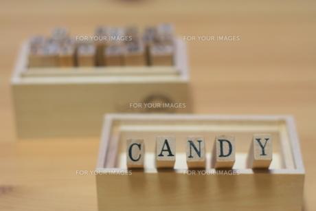 キャンディーのロゴの写真素材 [FYI00437411]