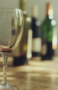 ワイングラスの写真素材 [FYI00437459]