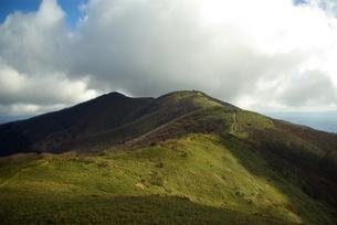 なだらかな山の稜線の写真素材 [FYI00439363]