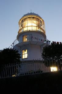 夜の室戸岬灯台室戸ジオパークの写真素材 [FYI00439786]