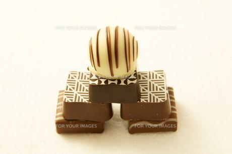 チョコレート ピラミッドの写真素材 [FYI00439824]