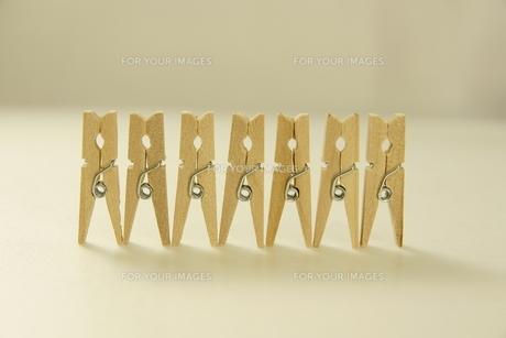 クリップ 木製クリップの写真素材 [FYI00439875]