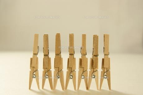 クリップ 木製クリップの写真素材 [FYI00439878]