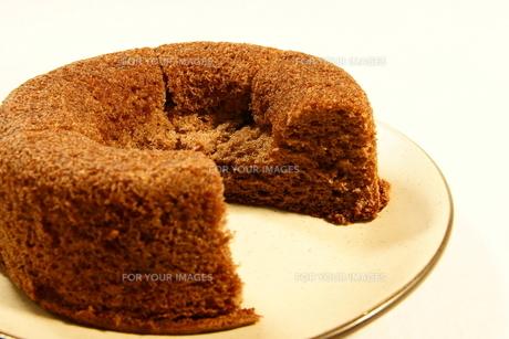 シフォンケーキ ケーキ ココアシフォンケーキの写真素材 [FYI00439896]