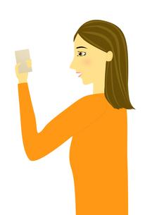 スマートフォンを見る女性のイラストの写真素材 [FYI00440256]
