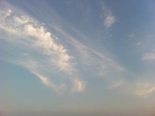 夏の夕暮れの雲の写真素材 [FYI00440357]