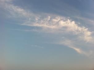 夏の夕暮れの雲の写真素材 [FYI00440359]