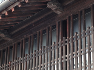 城下町の風景・格子窓の写真素材 [FYI00440386]